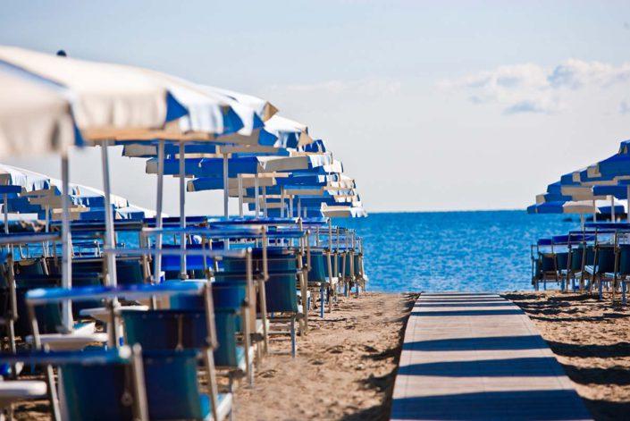 spiaggia ombrelloni bagni fafin cesenatico